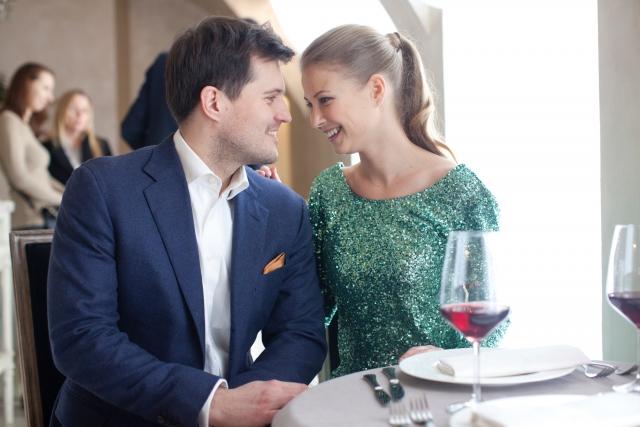 レストランでデート