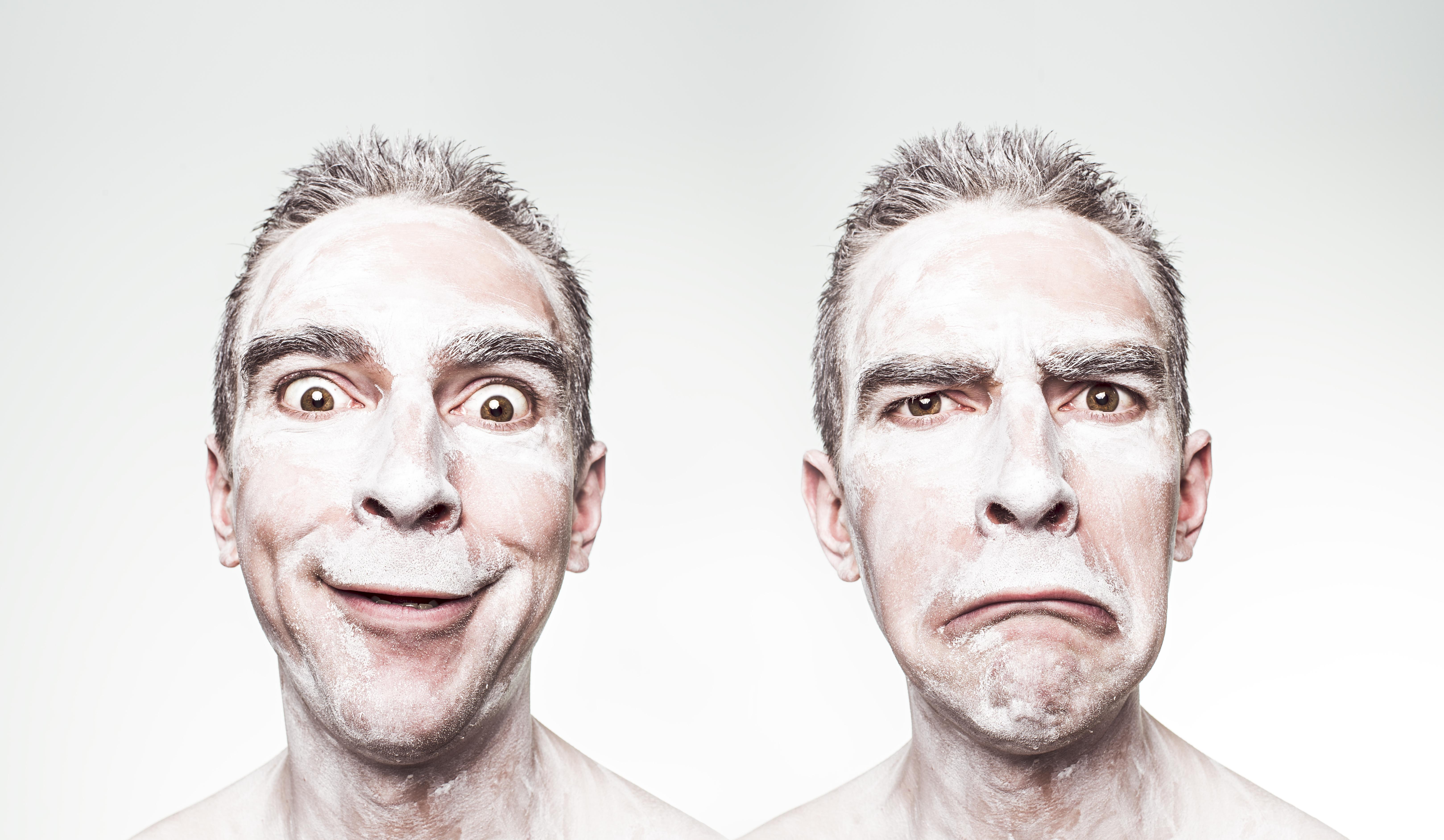 顔が汚れている男性の画像