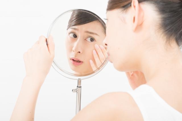 乾燥している女性のイメージ画像