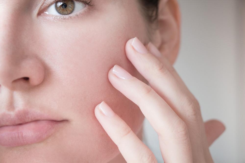 敏感肌の女性のイメージ画像